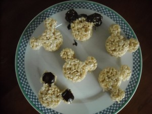 Mickey head Rice Krispie treats